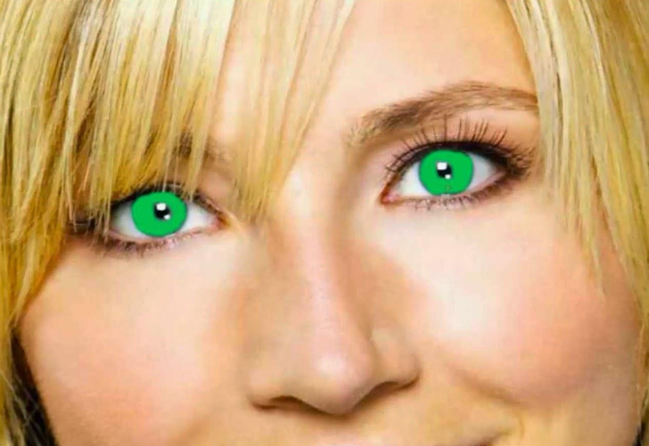 aplicando color a ojos 3
